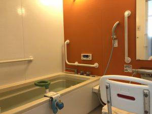 死亡事故 年4千人超 高齢者の冬の入浴は危険
