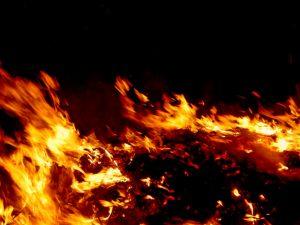【富山】住宅全焼の火災発生 住人4人と連絡取れず