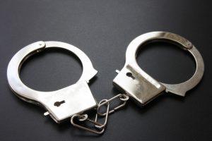 老人ホームに無資格で看護師として勤務 54歳男逮捕