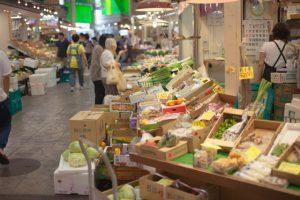高齢者の死亡リスク 近隣に食料品店ないと1.6倍