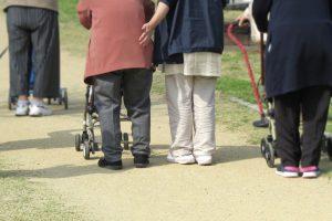 【滋賀】高齢者の社会参加の有無で要介護や死亡に影響