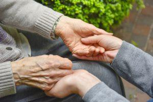 特殊詐欺被害の8割が高齢者 府警が詐欺対策係を新設