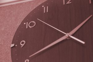 高齢者採用の働き方改革が本格化 残業時間規制始まる