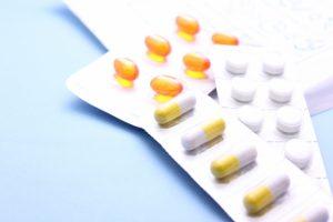 高齢者の多剤服用に警鐘 平均処方6.5種類 厚労省
