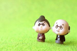 高齢者世帯が増加 単身と高齢夫婦のみ世帯が6割に