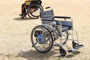 高齢者の移動手段 電動車いす普及を支援 経産省